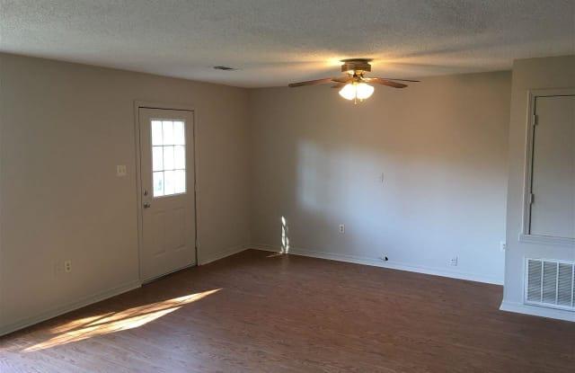 220 S Davis - 220 South Davis Street, Conway, AR 72034