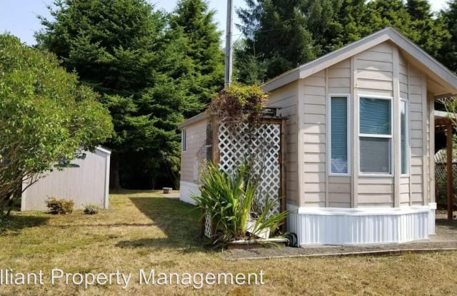 532 Reef Ave - 532 Southeast Reef Avenue, Lincoln City, OR 97367