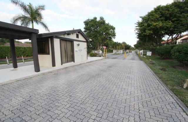 112 ViA De Casas Norte - 112 via De Casas Norte, Boynton Beach, FL 33426