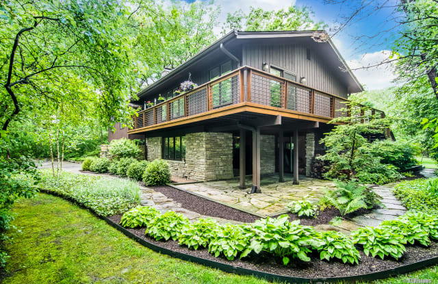 1725 Glenmore Drive - 1725 Glenmore Dr, Green Oaks, IL 60048