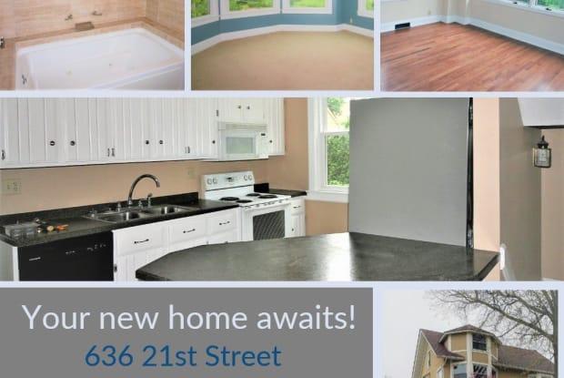 636 21st Street - 636 21st Street, Bettendorf, IA 52722