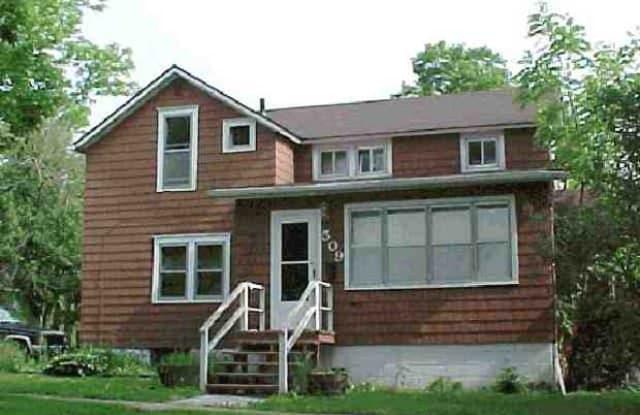 509 West 26th Street - 509 West 26th Street, Cedar Falls, IA 50613