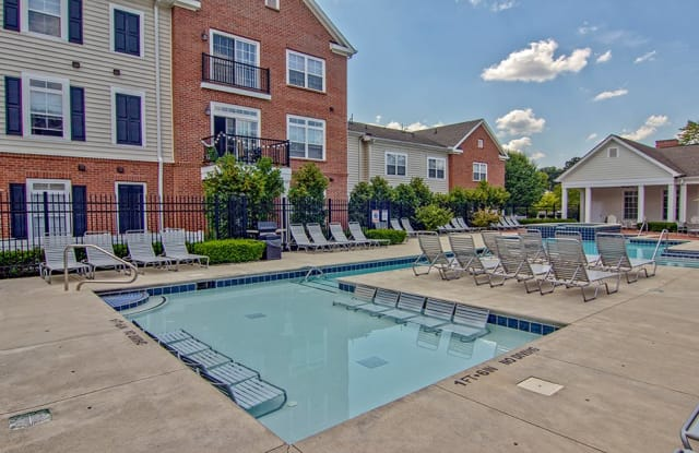 Chelsea Place Apartments - 4430 N Holland Sylvania Rd, Toledo, OH 43623