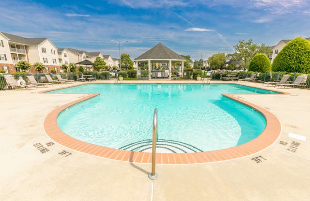The Regency Luxury Apartments - 505 Regency Dr, Fayetteville, NC 28314