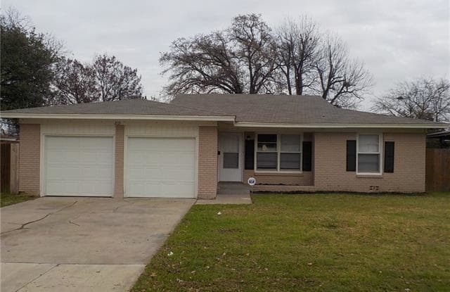 2115 Forest Avenue - 2115 Forest Avenue, Fort Worth, TX 76112