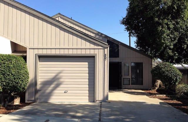 453 Helm Avenue - 453 Helm Avenue, Clovis, CA 93612