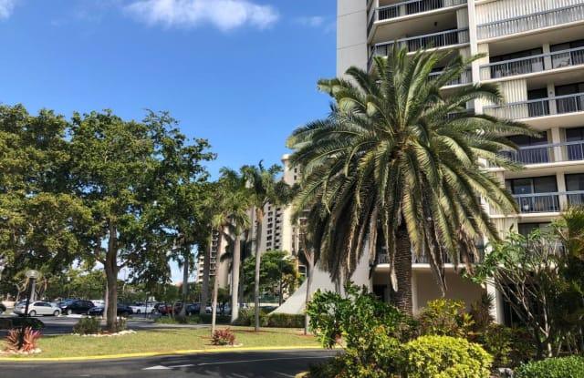 2425 Presidential Way - 2425 Presidential Way, West Palm Beach, FL 33401