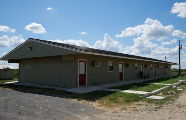2879 N US Highway 83 - 2879 North Grant Street, La Minita, TX 78584