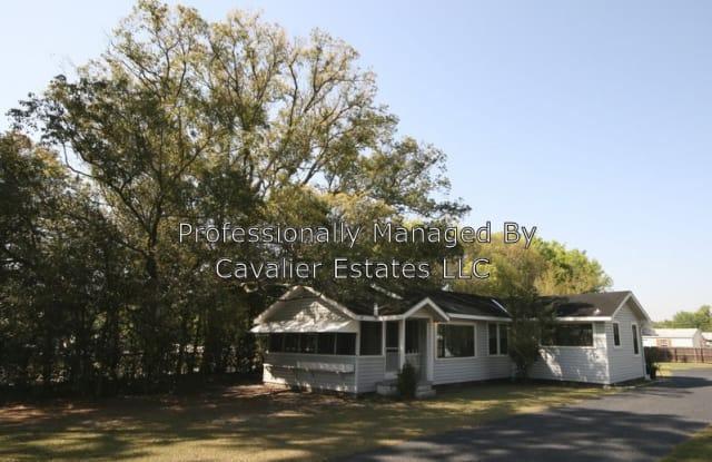 13624 N Florida Ave - 13624 North Florida Avenue, Lake Magdalene, FL 33613
