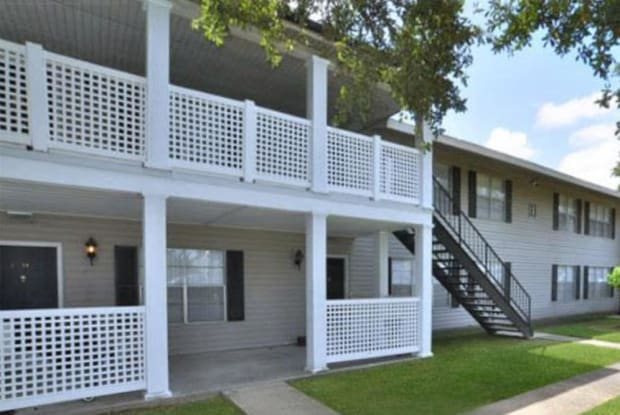 Canterbury Square Apartments - 100 McDonald St, Lafayette, LA 70506