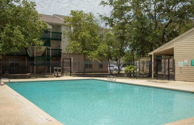 Willowbrook Apartments - 7001 Bundy Rd, New Orleans, LA 70127