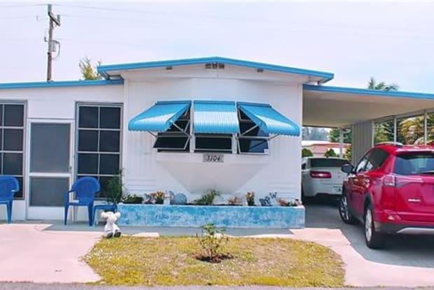 3104 PLUTO CIR - 3104 Pluto Circle, North Fort Myers, FL 33903