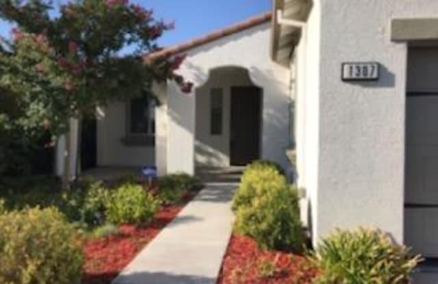 1307 Santona St - 1307 Santona Street, Manteca, CA 95337