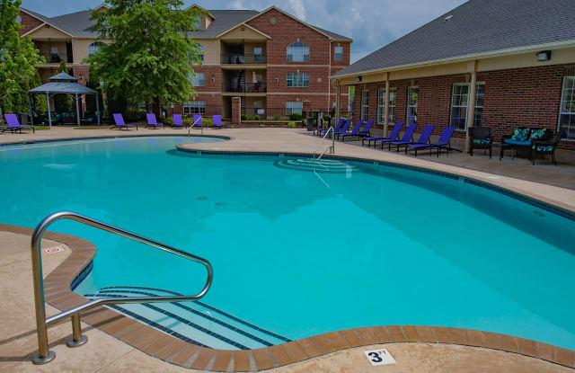 Lexington Park Apartment Homes - 7601 Vestal Blvd, North Little Rock, AR 72113