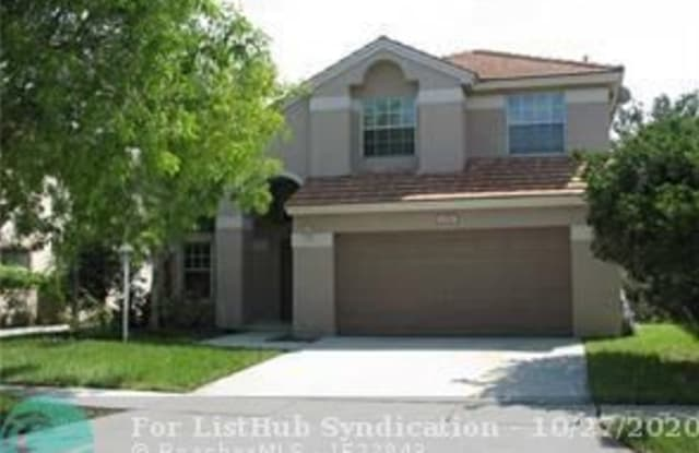 1350 NW 143RD AVE - 1350 Northwest 143rd Avenue, Pembroke Pines, FL 33028