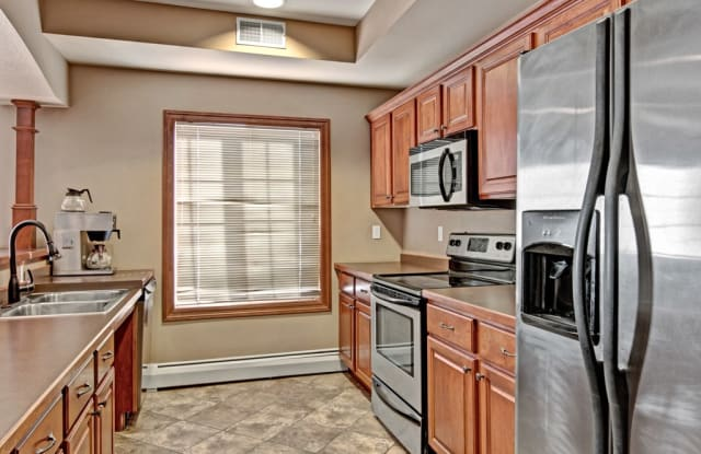 Grand River Estates - 4010 Clearwater Road, St. Cloud, MN 56301