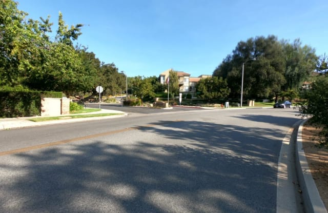 424 Arbor Court #105 - 424 Arbor Lane Court, Thousand Oaks, CA 91360