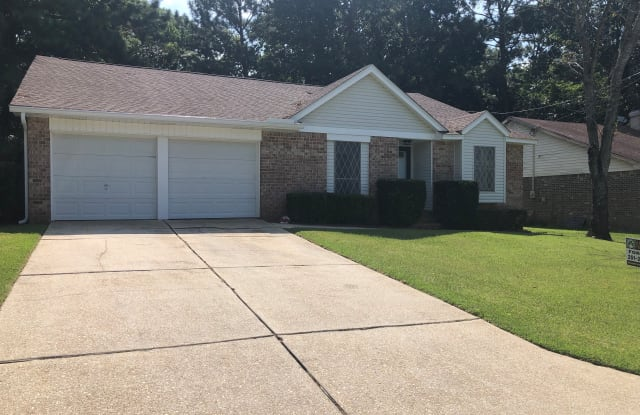 108 Lake Forest Blvd - 108 Lake Forest Boulevard, Daphne, AL 36526