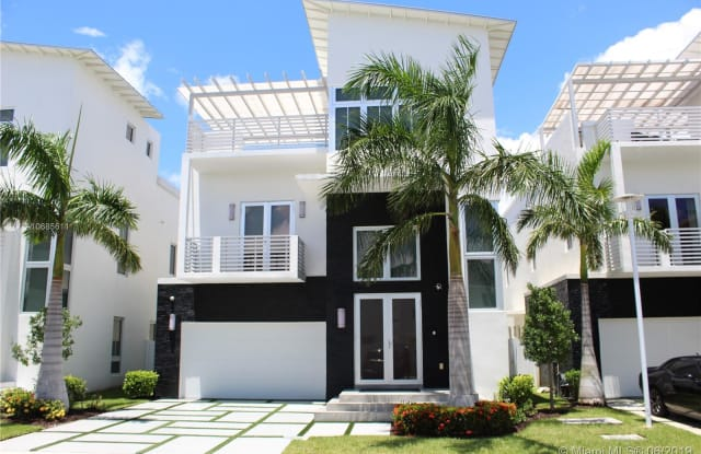 8435 NW 34th Dr - 8435 NW 34th Dr, Doral, FL 33122