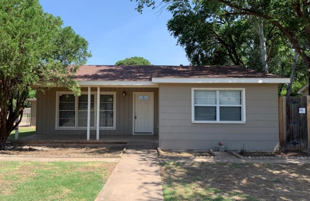 2620 38th Street - 2620 38th Street, Lubbock, TX 79413