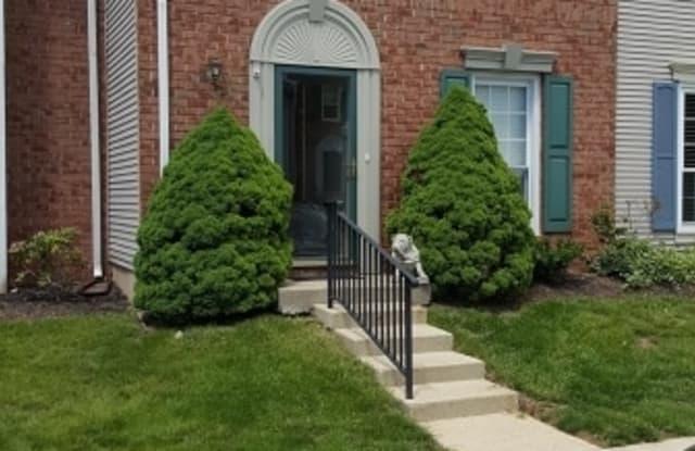 2805 PINHORN DR - 2805 Pinhorn Drive, Bradley Gardens, NJ 08807