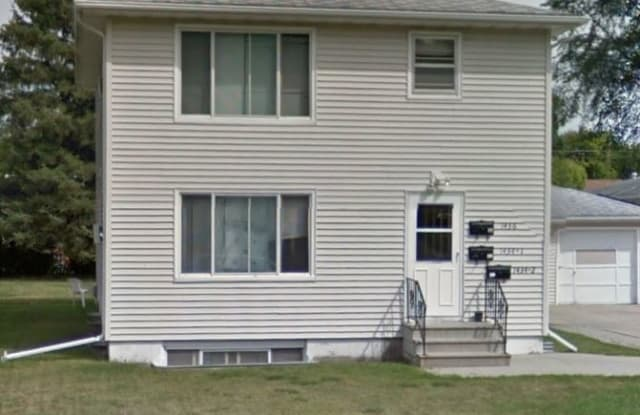 1436 15th St S - 1436 15th Street South, Fargo, ND 58103