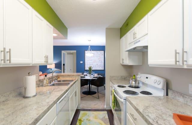 Chinoe Creek Apartments - 3522 Creekwood Dr, Lexington, KY 40502