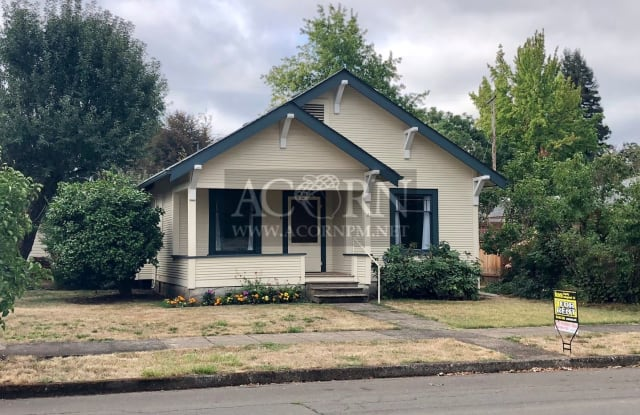 819 D Street - 819 D Street, Springfield, OR 97477