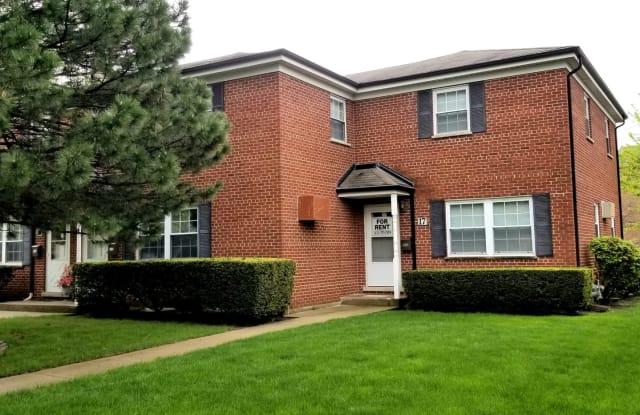 17 East Thorndale Avenue - 17 E Thorndale Ave, Roselle, IL 60172