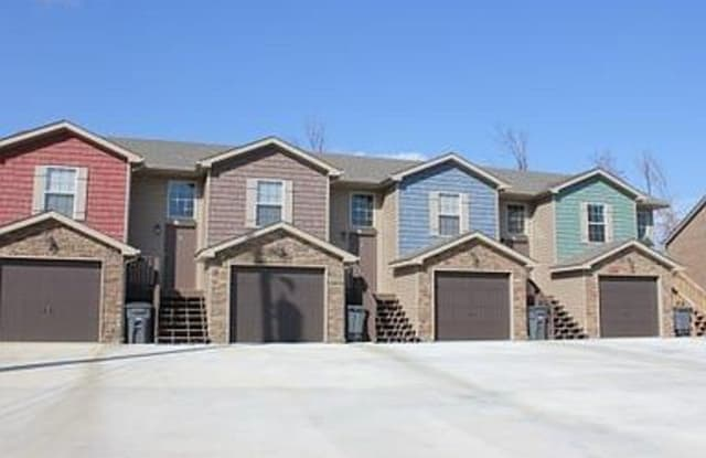 1732 Thistlewood Dr - 1732 Thistlewood Drive, Clarksville, TN 37042