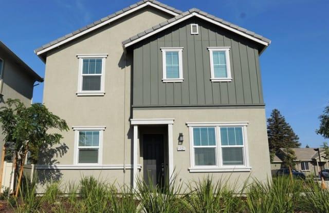1121 Knox Way - 1121 Knox Way, Roseville, CA 95747