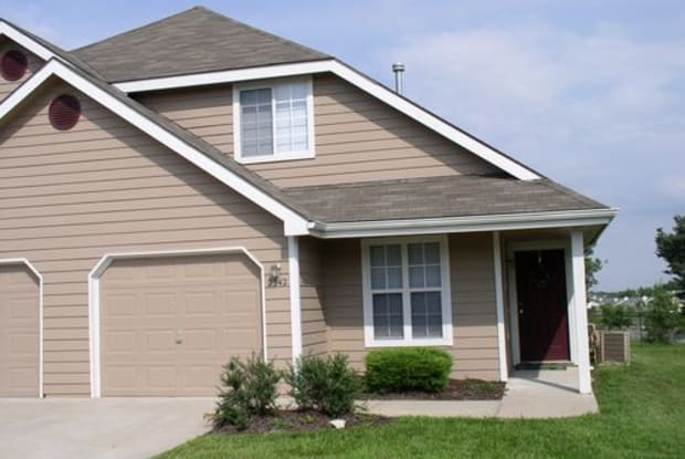 4717 Ranch Court - 4717 Ranch Court, Lawrence, KS 66047