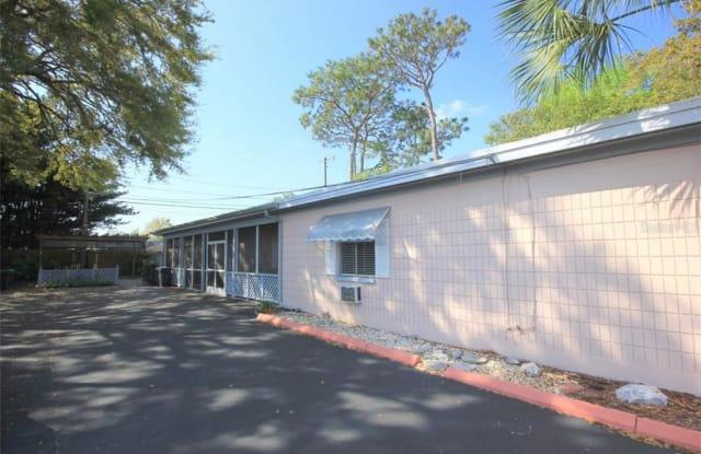 106 FLORAL DRIVE - 106 Floral Drive, Lake Magdalene, FL 33613