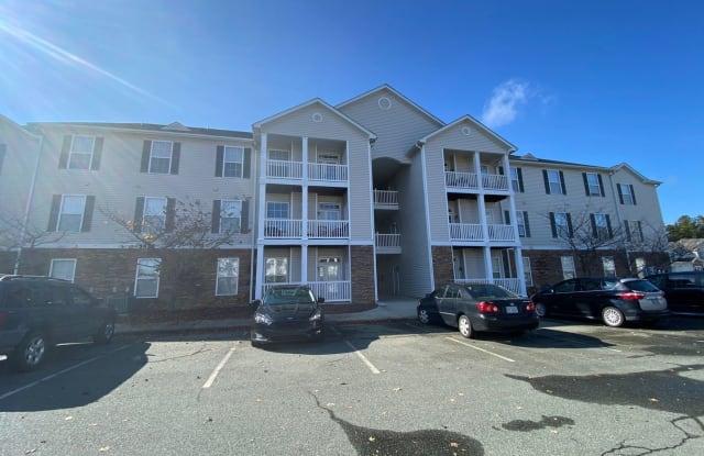 3031 Winston Dr #305 - 3031 Winston Drive, Burlington, NC 27215
