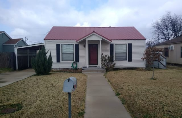 2942 S 10th St - 2942 South 10th Street, Abilene, TX 79605