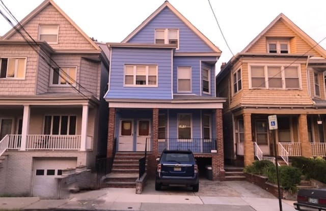 95 WEST 54TH ST - 95 West 54th Street, Bayonne, NJ 07002