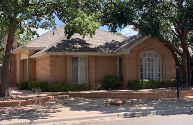 109 Utica Avenue - 109 Utica Avenue, Lubbock, TX 79416