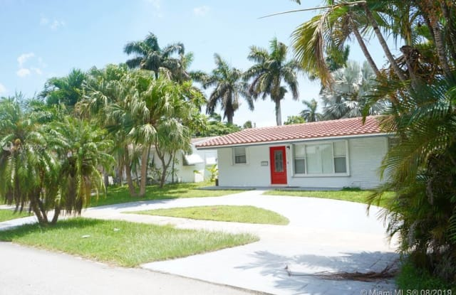 913 N 13th Ct - 913 North 13th Court, Hollywood, FL 33019