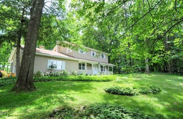 11 SOMERS DRIVE - 11 Somers Drive, Rhinebeck, NY 12572