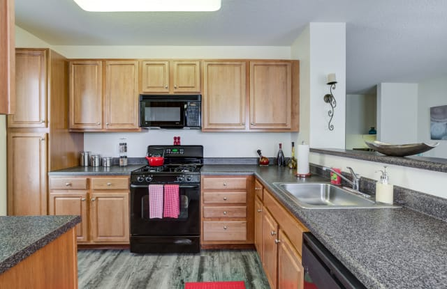 Summit Place - 142 Pleasant Valley St, Methuen Town, MA 01844