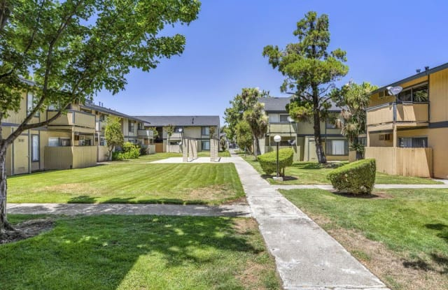 Crestview Pines Apartments - 1600 Aster Dr, Antioch, CA 94509