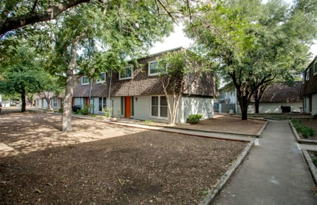 Amber Vista - 1901 East 15th Street, Plano, TX 75074