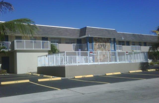 321 NE 1st Court, Apt #203 - 321 Northeast 1st Court, Hallandale Beach, FL 33009