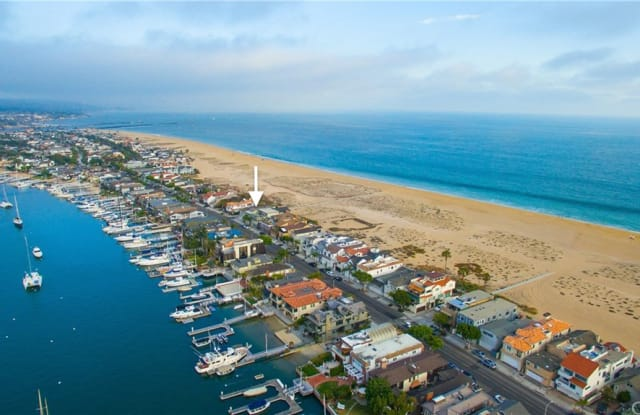 1135 E Balboa Boulevard - 1135 East Balboa Boulevard, Newport Beach, CA 92661