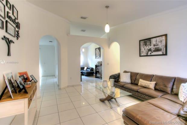 9041 NW 166th Ter - 9041 Northwest 166th Terrace, Miami Lakes, FL 33018