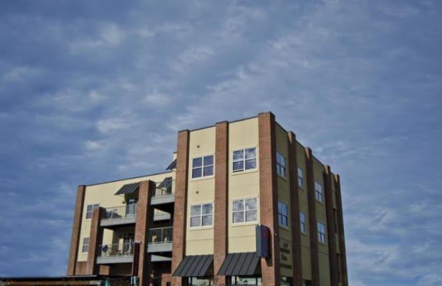 Mary Locke Apartments - 301 Cherokee Boulevard, Chattanooga, TN 37405