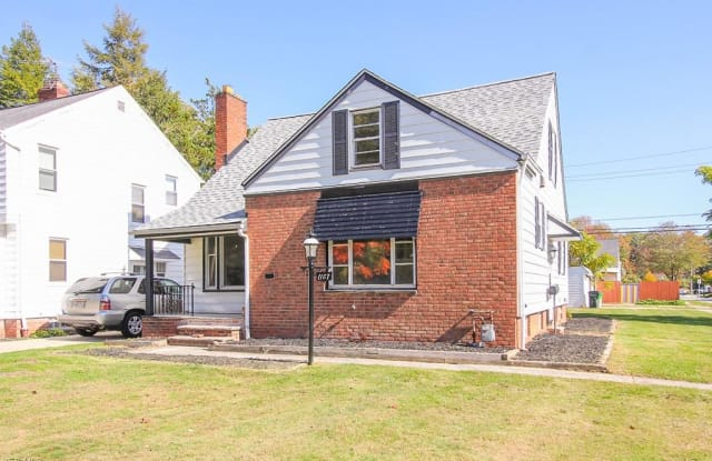 1187 Winston Rd - 1187 Winston Road, South Euclid, OH 44121