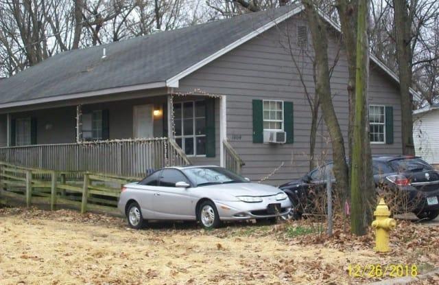 1464 North Brown Avenue - 1464 North Brown Avenue, Springfield, MO 65802