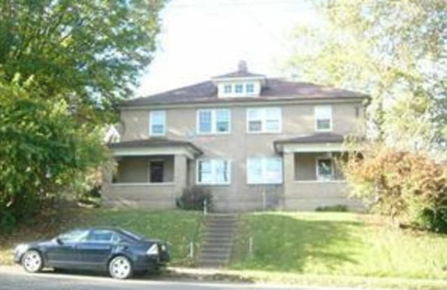 1307 Wheeling Ave - 1307 Wheeling Avenue, Zanesville, OH 43701