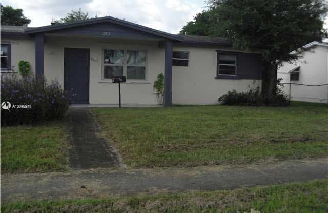 2211 NW 61st Ave - 2211 NW 61st Ave, Sunrise, FL 33313